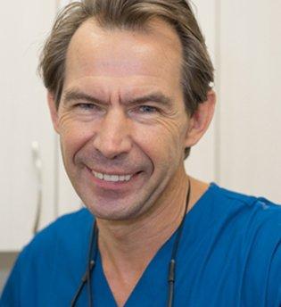 Dr. Igor Titov